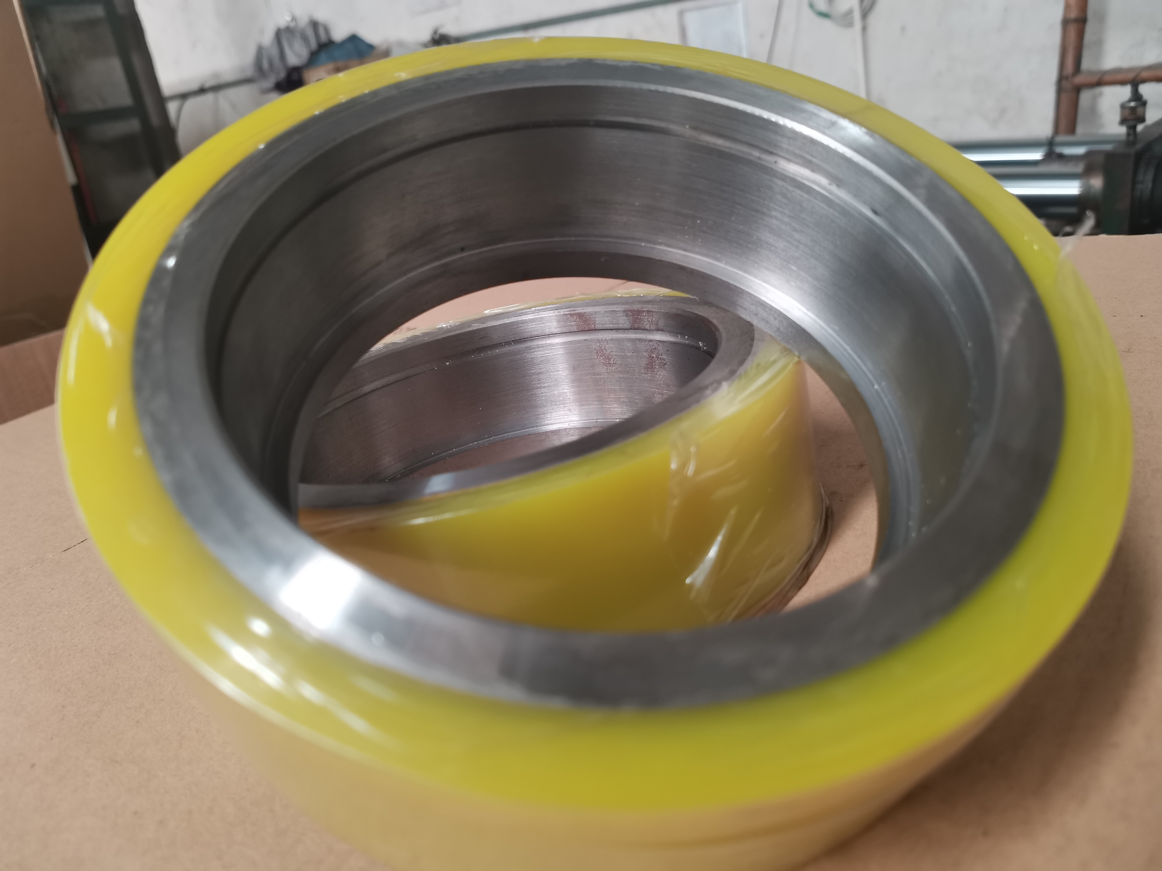 开卷机支撑轮聚氨酯耐磨胶轮PU承重轮非标定制轧钢设备承重轮