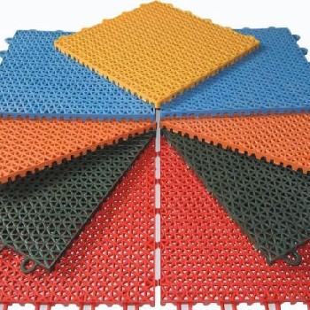 幼兒園操場建設-懸浮地板拼裝-深圳籃球場懸浮地板施工-施工