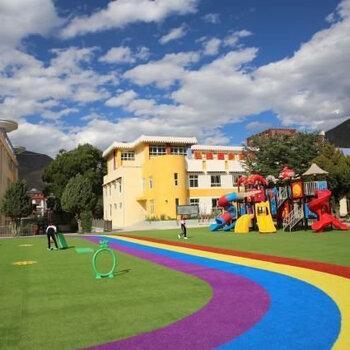 深圳草坪鋪設工程-幼兒園草坪施工-人造草坪施工-環保美觀