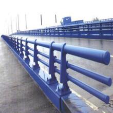 福建路桥防撞护栏安装图片