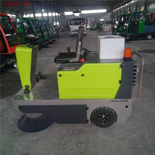 萍鄉掃地車安全可靠,電動掃地車