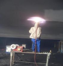 廣東噴鋅機廠家,水電站閘門噴鋅防腐除銹