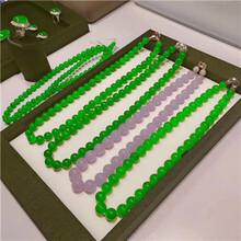 回收翡翠宝石的师傅图片