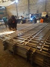 广东围墙护栏厂家,锌钢护栏定做,现货蓝白色/黑色三横杆组装式图片