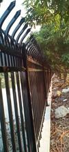 鋅鋼護欄現貨/定制圍墻鐵藝護欄/工地鋅鋼柵欄圖片