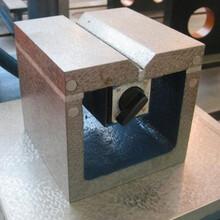 上源供應鑄鐵方箱檢驗方箱出售工業鑄鐵方筒t型槽方箱圖片