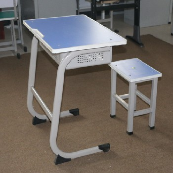 河北法式固定課桌椅培訓班學生課桌椅定制生產廠家輔導班課桌椅
