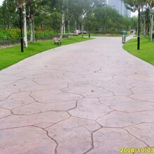 陕西咸阳现代新型夯土墙传统夯土墙建筑对比图片