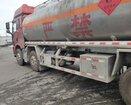 危险品运输车油罐车图片