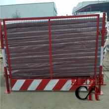 竖杆护栏报价护栏生产厂家临边防护栏施工电梯门图片