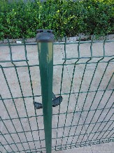 安平昊友专业生产各种规格折弯护栏、三角折弯围栏、折弯防护网图片