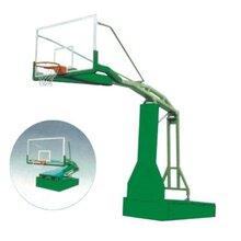 学校篮球架图片