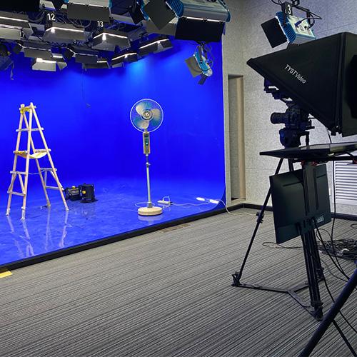 有轨演播厅和无轨虚拟演播室区别介绍