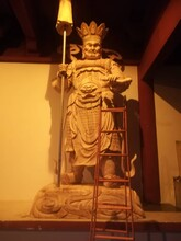 成都專業生產香樟木雕佛像圖片