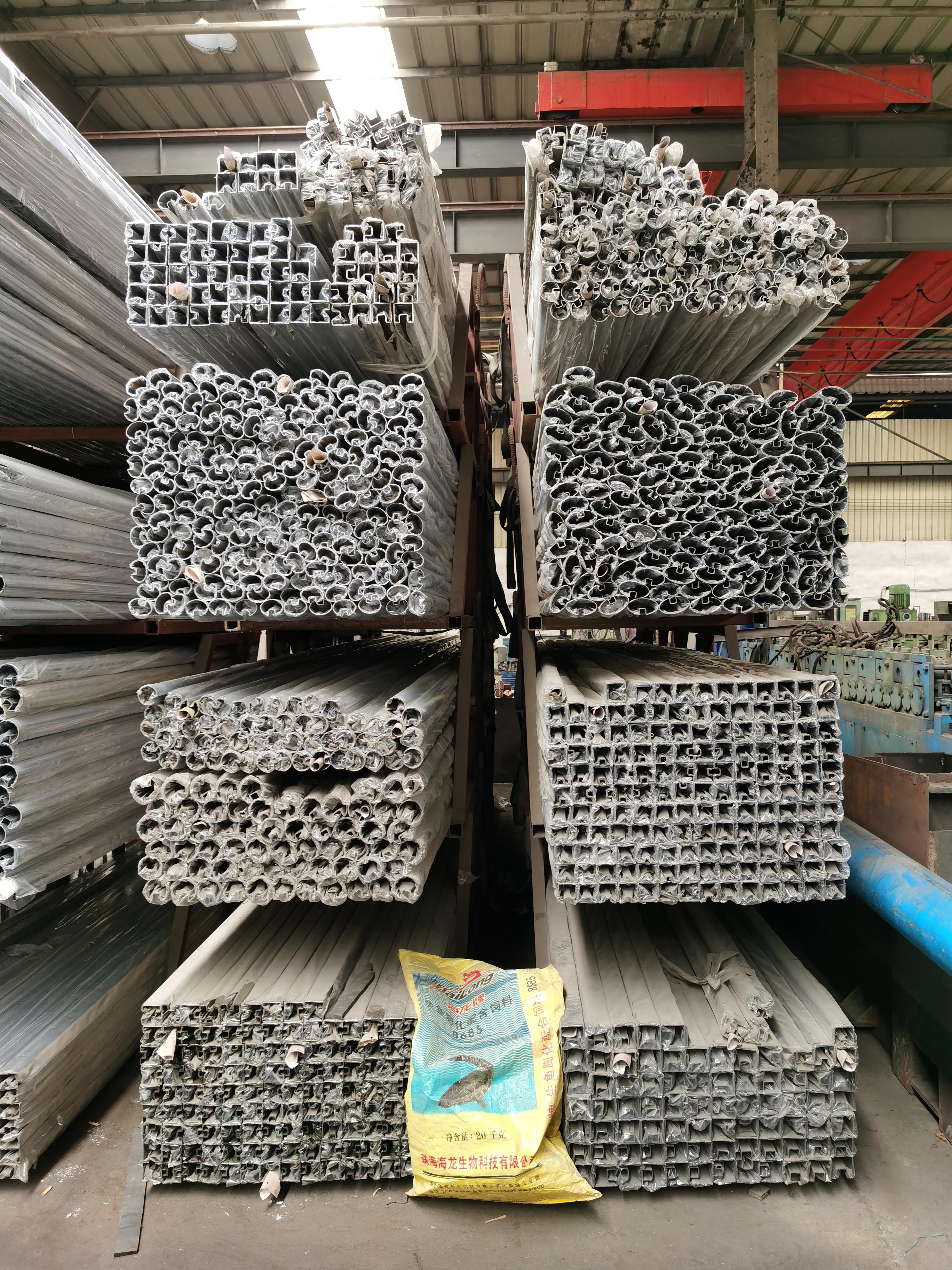 广州聚美艺术装饰不锈钢凹槽管异型管