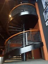 陕西店铺中柱旋转楼梯安装公司图片