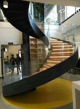 四川酒店玻璃旋转楼梯安装服务图片