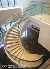 上海店铺玻璃扶手旋转楼梯设计公司图片