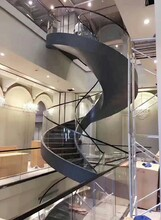 北京店铺玻璃旋转楼梯安装图片