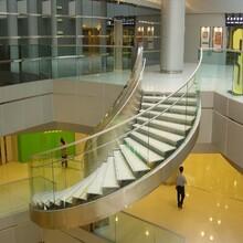新疆会所玻璃旋转楼梯安装服务图片