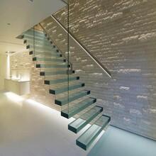 四川商场直双梁玻璃楼梯安装团队图片