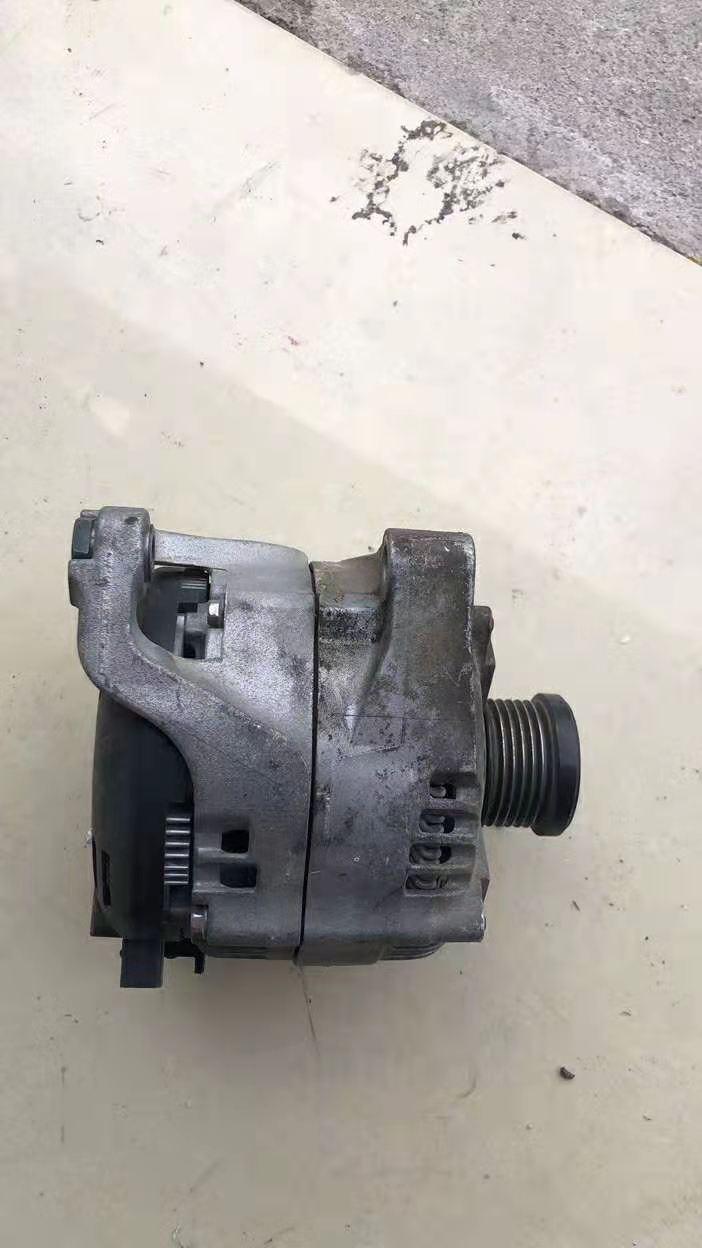 宝马520发电机奔驰ML350发电机空调泵拆车件