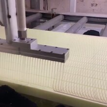 保溫板淋膠機保溫板生產線淋膠機泓駿達雙組份淋膠機廠家圖片