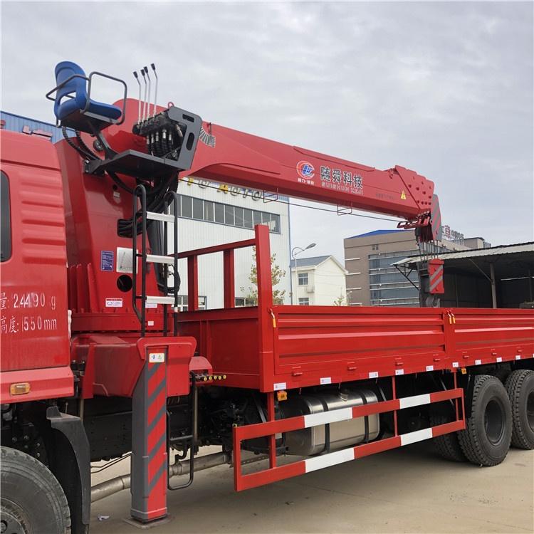 河南東風D7玉柴290馬力徐工8、10噸隨車吊多少錢