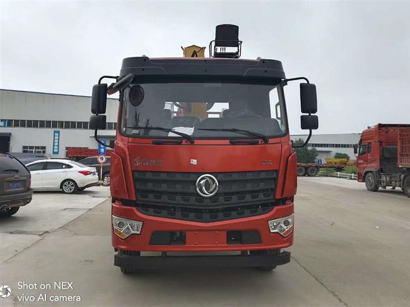 天津隨車起重運輸車8噸五節臂吊機