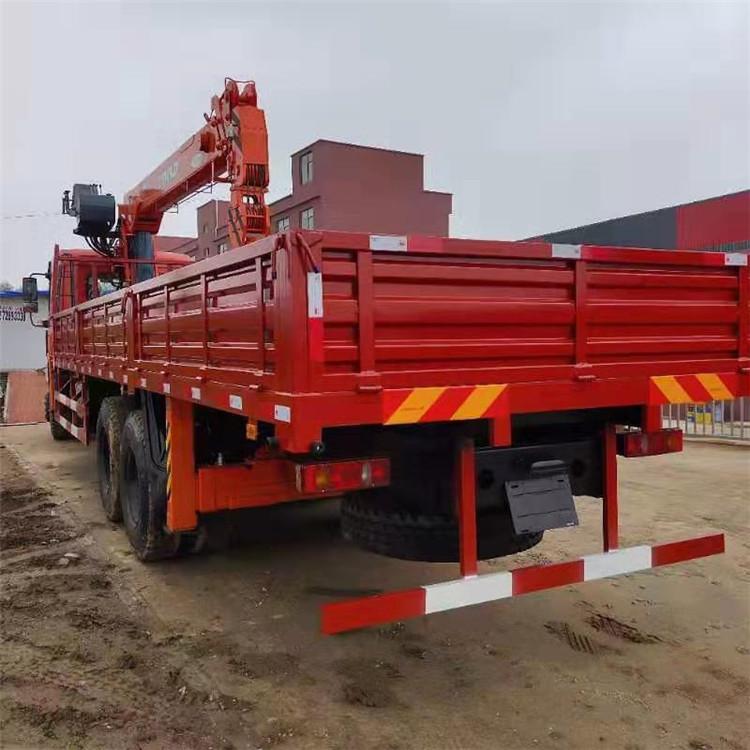 安徽東風暢行隨車吊8噸6米1貨箱程力吊機價格