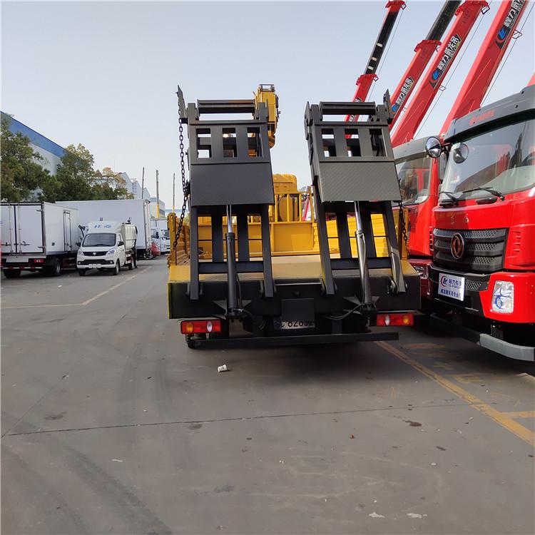 天津東風隨車吊6.3噸8噸徐工隨車吊廠家價格