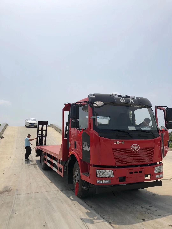 東風多利卡隨車起重機6.3噸隨車吊石煤吊機生產廠家