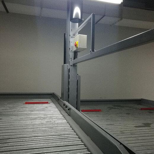 成都機械停車設備回收石柱立體停車位倍萊機械停車場