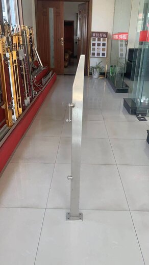 南京不銹鋼工程立柱廠家
