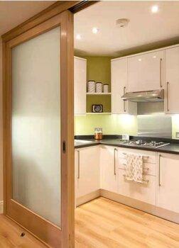提供上海普陀區家用木門維修家用移門廚房客廳移門維修