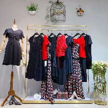 依薰女装品牌折扣女装加盟做服装尾货怎么找客户女装批发从哪里进货图片