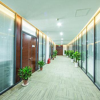 專注辦公隔斷墻締造綠色智能空間