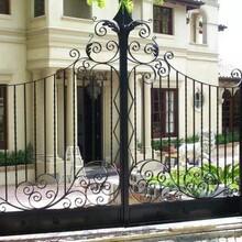 柳林鐵藝加工部、護欄加工,彩鋼圍擋、伸縮門、圖片
