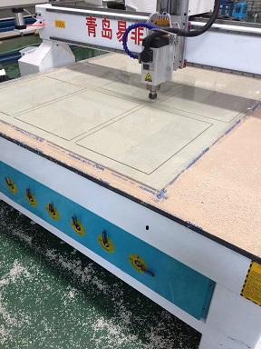青岛易非品牌供应塑料板材雕刻机3米塑料板材碰焊机