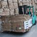 湖南醴陵叉車軟包夾碎紙包搬運叉車抱夾印刷廠碎紙包搬運抱車