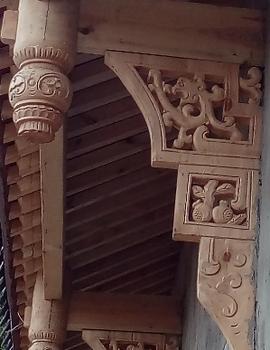 垂花柱(吊挂)、撑弓、角花与各种木饰挂件