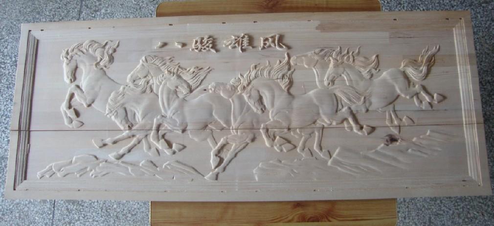 厂家直销木板浮雕八骏雄风通花板量多单价从优