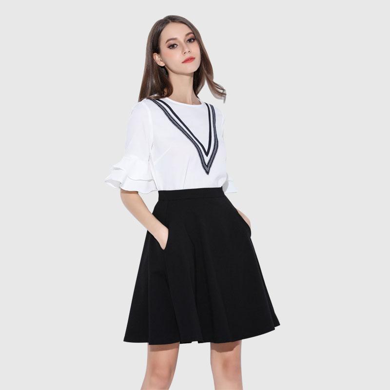 方领打底衫批发哪里有货源服装批发市场供货商女装代理加盟歌芬