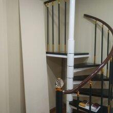 沈阳钢木楼梯图片