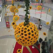 广州商场中庭装饰节日元素灯光布置圣诞节主题灯光设计中庭高空吊挂灯光美陈图片