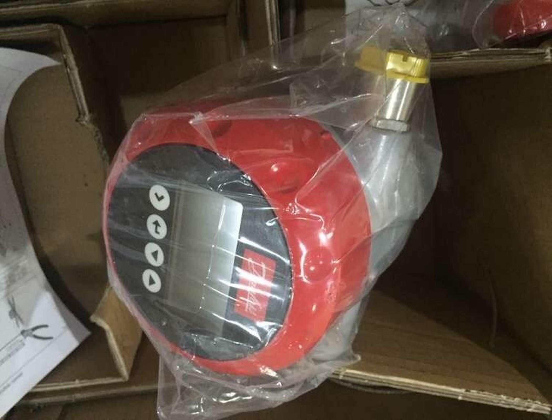 丹佛斯AKS4100U-084H4520-21投入式液位传感器