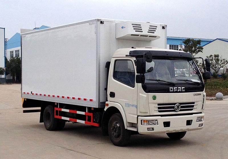 东风小多利卡14方冷冻品运输车