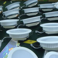 8英寸LED筒灯外壳生产厂家拓普绿色科技高?#20998;蔐ED筒灯外壳图片