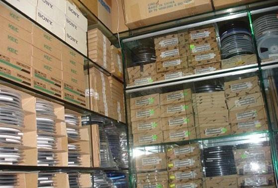 北京地区高价回收电子元件,回收工厂电子料,回收电子呆料等