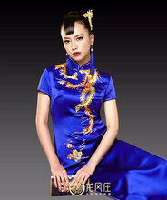 龙凤庄真丝纯手工金银线刺绣金凤凰旗袍高级定制图片